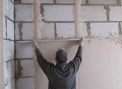 Штукатурка пеноблока цементным раствором. Можно ли штукатурить пеноблоки цементным раствором