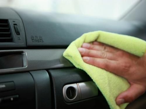 Как убрать царапины с пвх. 6 бюджетных способов убрать царапины с пластика в салоне автомобиля