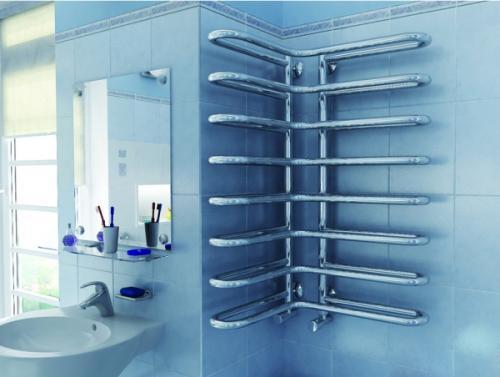 Куда лучше вешать полотенца в ванной. Где не стоит размещать полотенцесушитель в ванной