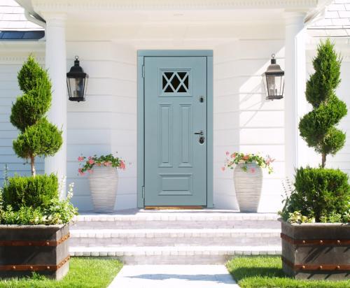 Входные двери в интерьере. Требования к входной двери