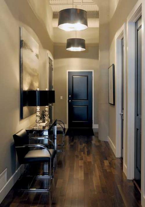 Как визуально увеличить узкий коридор. Узкий и длинный коридор - как визуально его увеличить?