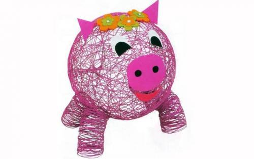 Новогодние игрушки своими руками на 2019 год. Воздушная свинка из ниток