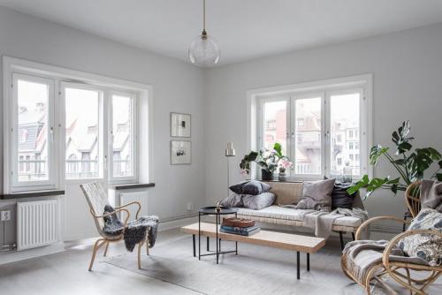 Дизайн однокомнатной квартиры в белом цвете. Шикарный интерьер квартиры в белом цвете