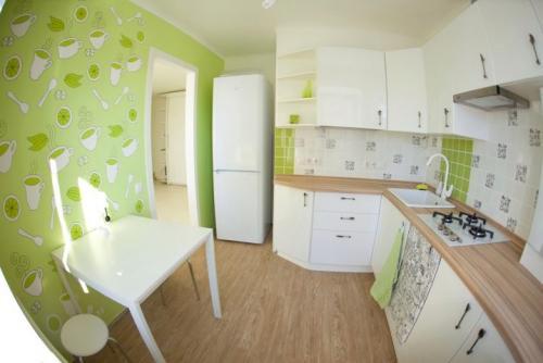 Дизайн кухни с зелеными обоями. В каком стиле оформить кухню с зелеными обоями? 11