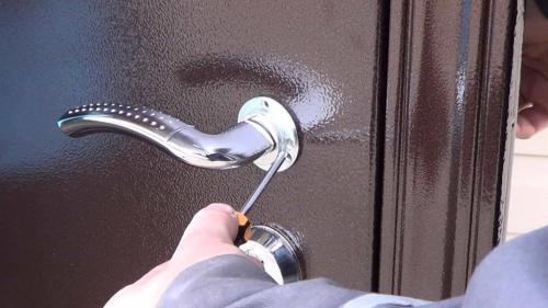 Как взломать железную дверь. Можно ли открыть замок самому?