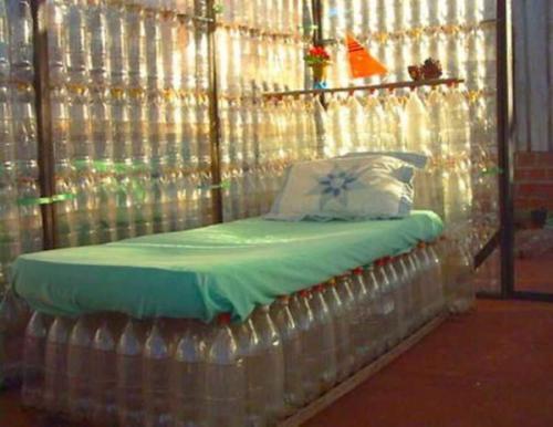 Что можно сделать из пластиковых бутылок своими руками для дома. Мебель из подручных материалов: утилизируем пластиковые бутылки