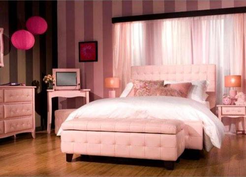 Спальня в розовом цвете. Особенности применения и влияние на эмоциональнее состояние