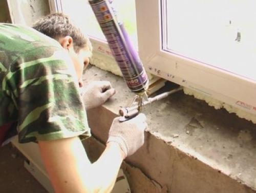 Как утеплить пластиковые окна снаружи. Утепление откосов и подоконников