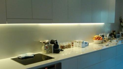 Как выбрать светодиодную ленту для кухни. Подсветка кухни светодиодной лентой