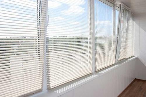 Вертикальные жалюзи на пластиковые окна. Проводим замеры