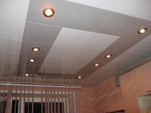Из чего сделать потолок в частном доме. Подвесные и подшивные конструкции