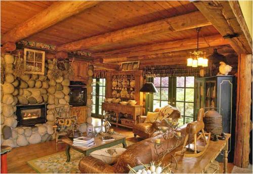 Отделка потолка деревянными балками. Стилевое решение при оформлении балками